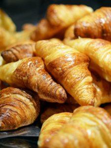 Profitez du petit déjeuner offert à la salle de réunion Le Choulans !